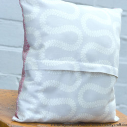 Cushion with Silk Ribbon Roses tutorial (8)